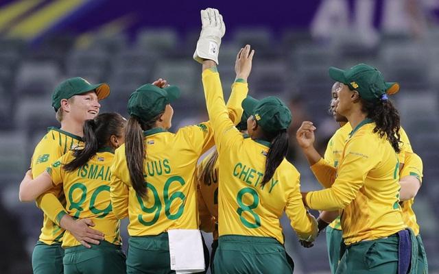 South-Africa-women-1